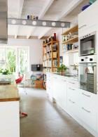 เพดานไม้ ในห้องครัว
