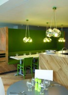 แต่งร้านอาหารด้วยสีเขียว
