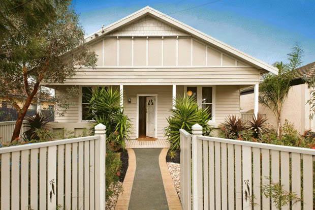 รั้วบ้านสวยๆ จัดสวนหน้าบ้าน