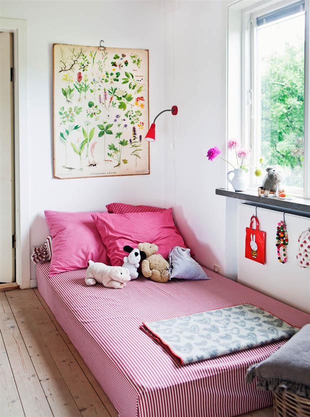 เตียงนอนสีชมพู