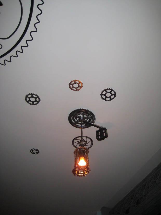 ทำโคมไฟติดเพดาน การตกแต่งเพดานห้อง