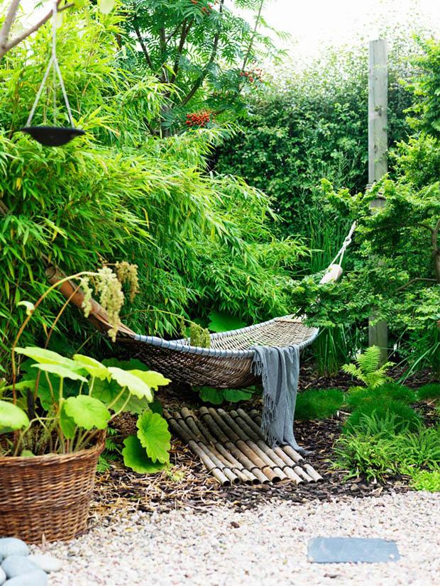 เปลญวน เปลไม้ไผ่ เปลนอน ผูกไว้ในสวน