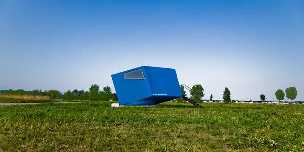 บ้านหลังเล็ก ทรงโมเดิร์นสีฟ้า