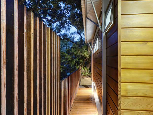 ออกแบบทางเดินข้างบ้าน ติดรั้วกำแพง