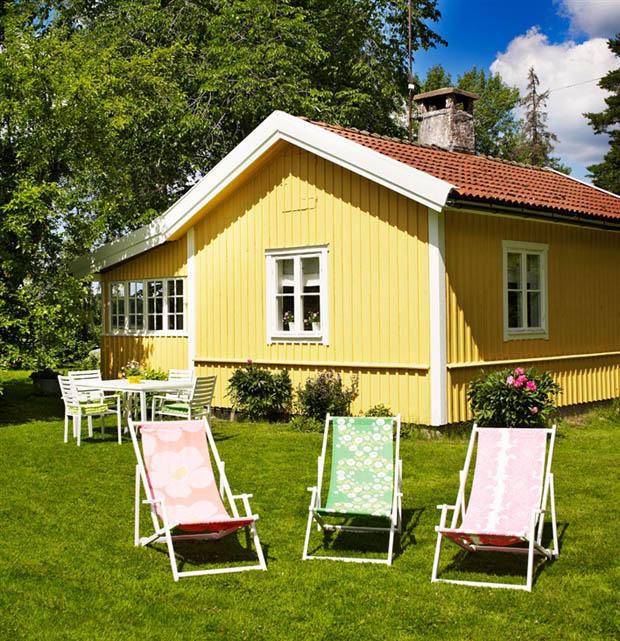 แบบบ้านไม้สีเหลือง