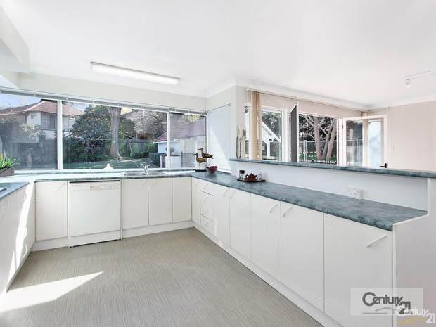 บิลท์อินห้องครัวสวยๆ สีขาว เทา