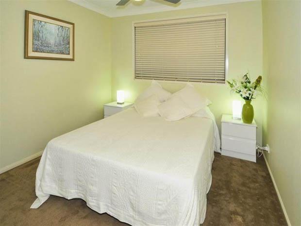 ทาสีผนังห้องนอนสีเขียวอ่อน