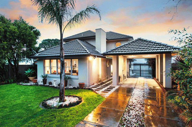 แบบบ้านสองชั้น 5 ห้องนอน จัดสวนหน้าและหลังบ้าน บ้าน