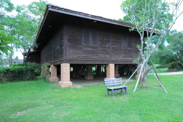 แบบหน้าต่างไม้ บ้านเรือนไทย