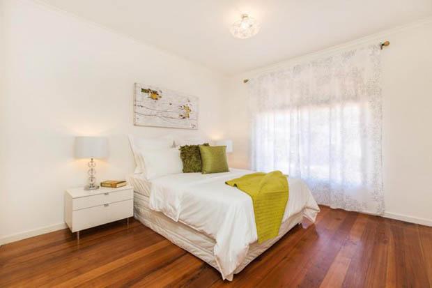 ห้องนอน ใช้พื้นไม้ สวยงาม