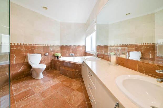 ห้องน้ำแต่งเรียบๆ แต่สวย