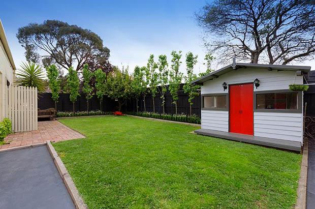บ้านหลังเล็ก ภายในสวน
