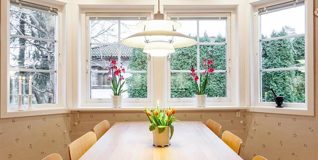 โคมไฟที่โต๊ะทานข้าว