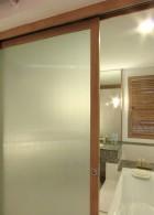 ประตูกระจกฝ้า ประตูห้องน้ำ เลื่อนเปิดปิดได้