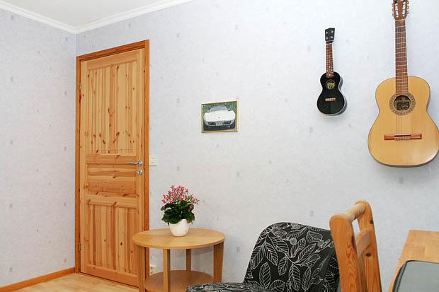ประตูไม้สวยๆทนๆ