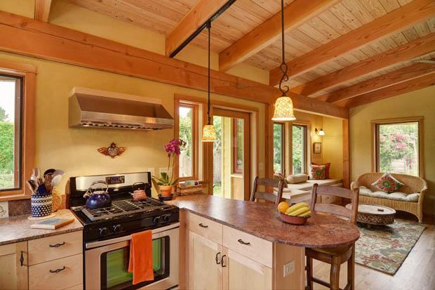 ห้องครัวไม้ สวยสว่าง