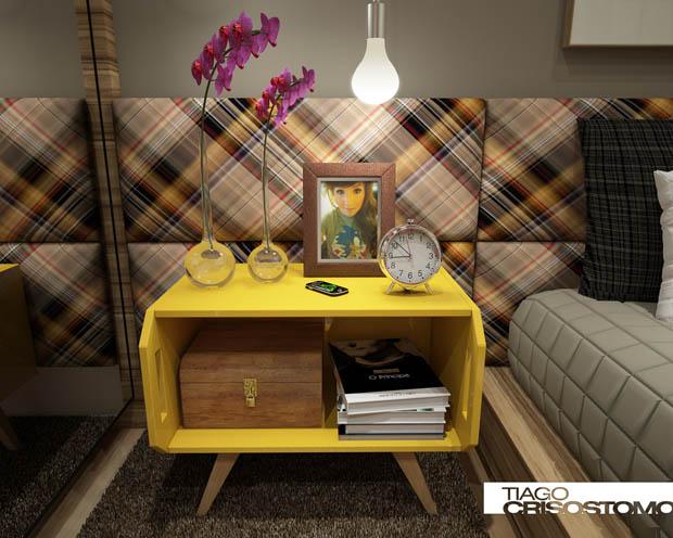 โต๊ะเล็กๆสีเหลือง