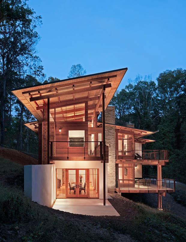 บ้านปูนชั้นล่าง ชั้นบนวัสดุไม้