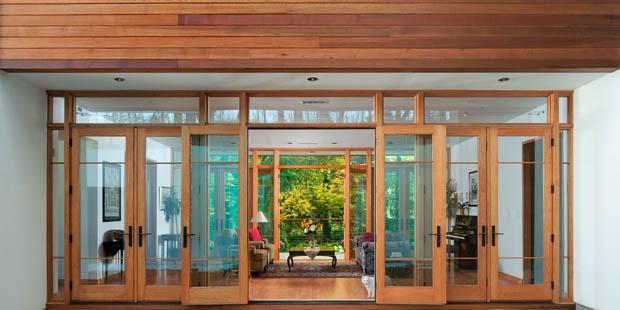 แบบประตูบ้าน บานคู่ วงกบไม้