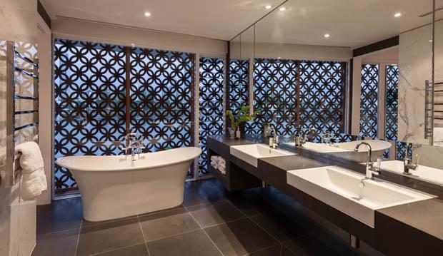 อ่างอาบน้ำแบบตั้งพื้น โค้งสวย