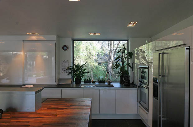 หน้าต่างกระจก ห้องครัว
