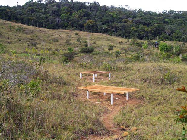 การสร้างบ้านกระท่อม บ้านกระต๊อบ