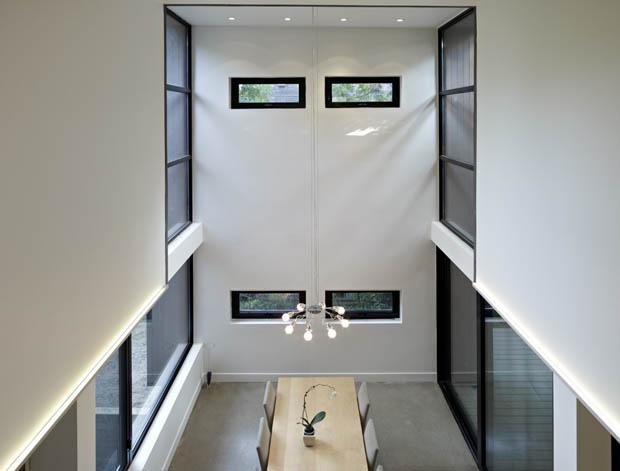 ออกแบบภายในบ้าน สูงและโปร่ง