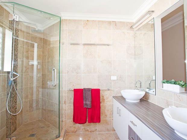 ตู้กระจกกั้นอาบน้ำ