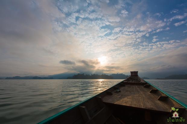 นั่งเรือชมเขื่อนรัชชประภา กุ้ยหลินเมืองไทย