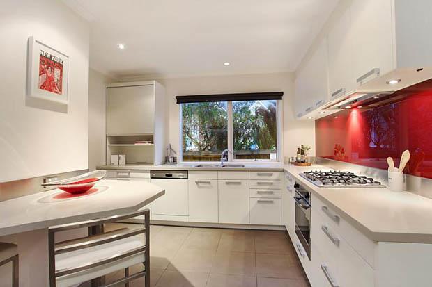 ห้องครัวสีขาว บิลท์อินครัว