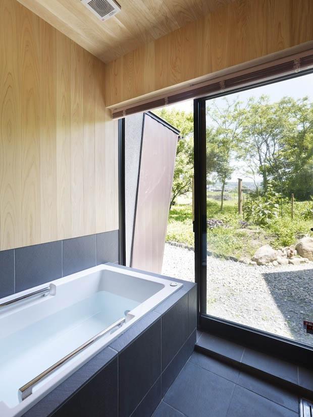อ่างอาบน้ำ ห้องน้ำสบาย