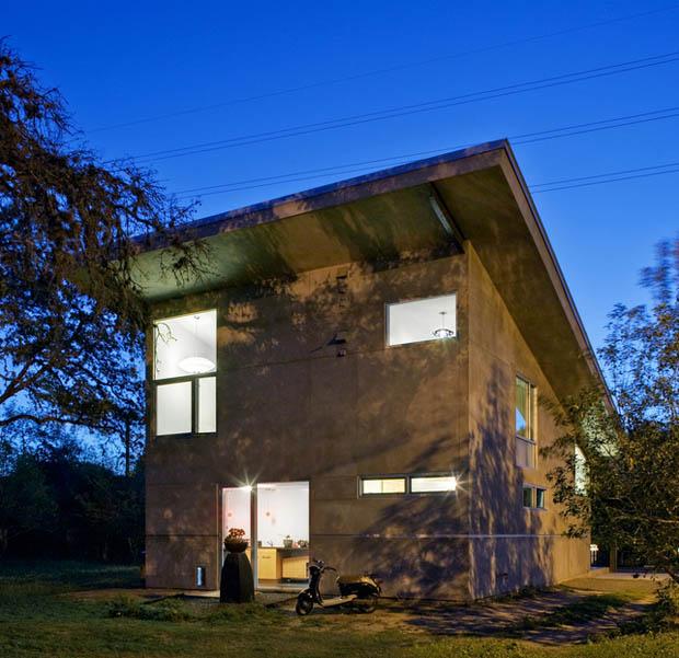 ภาพหลังบ้าน บ้านชั้นครึ่ง แต่งสวย