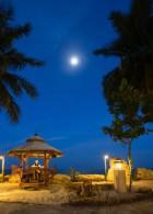 ศาลานั่งเล่น ริมชายหาด