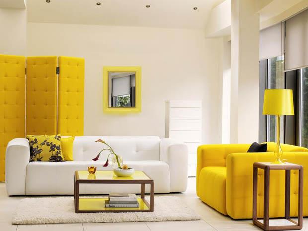 ตกแต่งห้องนั่งเล่นให้มีชีวิตชีวา ด้วยโซฟาสีเหลือง