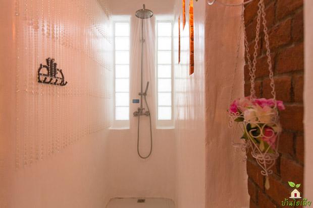 ห้องอาบน้ำ น้ำอุ่น กึ่งน้ำแร่