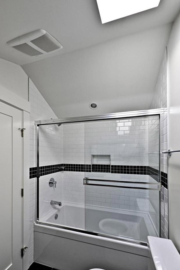 ห้องน้ำ ติดตั้งพัดลมระบายอากาศ