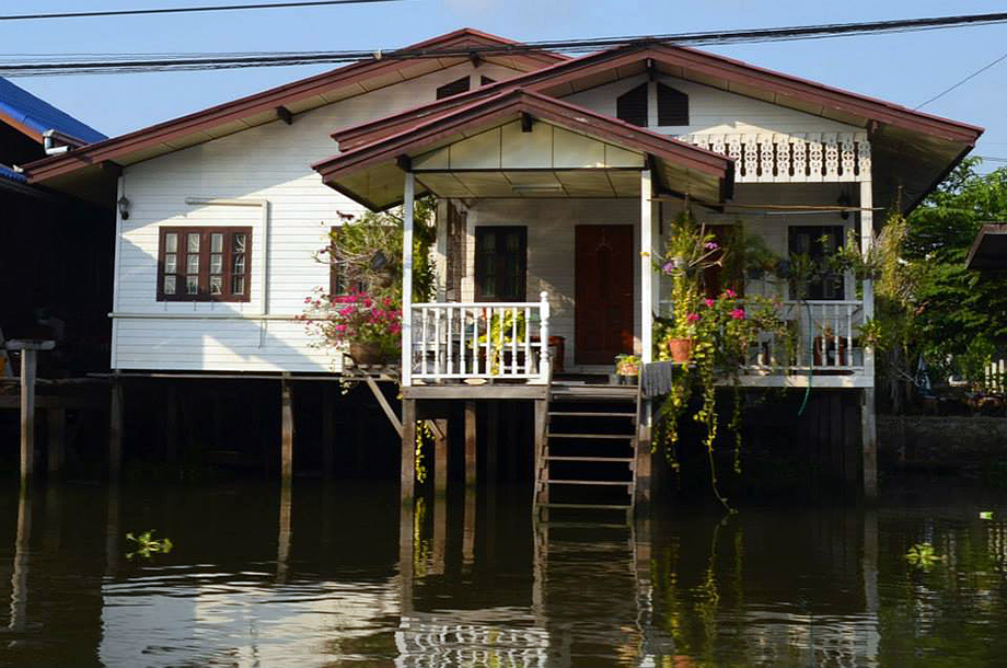 แบบบ้านไม้ ยกสูง สร้างบ้านบนน้ำ