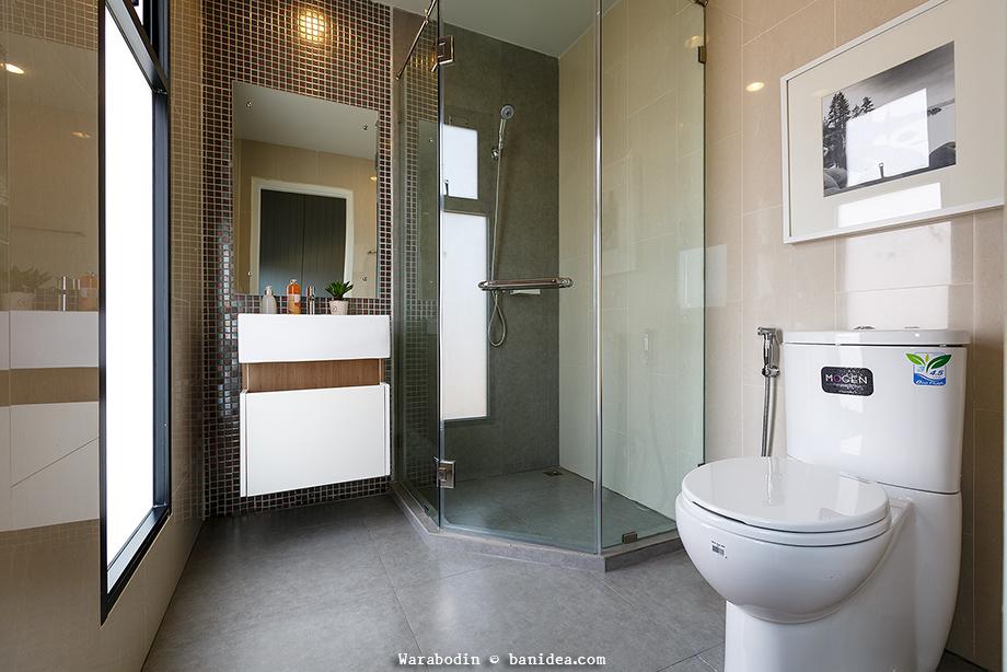 แบบห้องน้ำในห้องนอน มีตู้อาบน้ำ สไตล์โมเดิร์น
