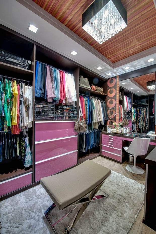 ตู้เสื้อผ้าสีสวย