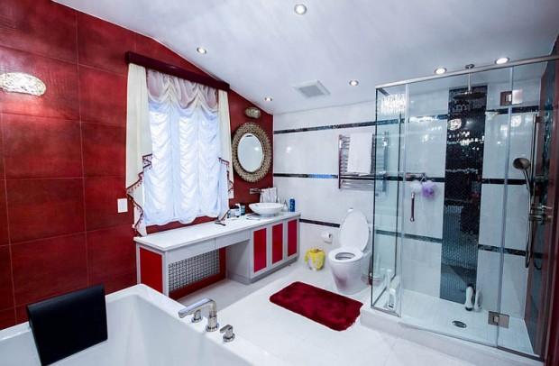 ตกแต่งห้องน้ำด้วยสีแดง