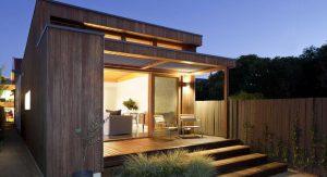 ผนังบ้านกรุไม้