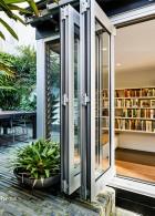 ห้องหนังสือในบ้าน