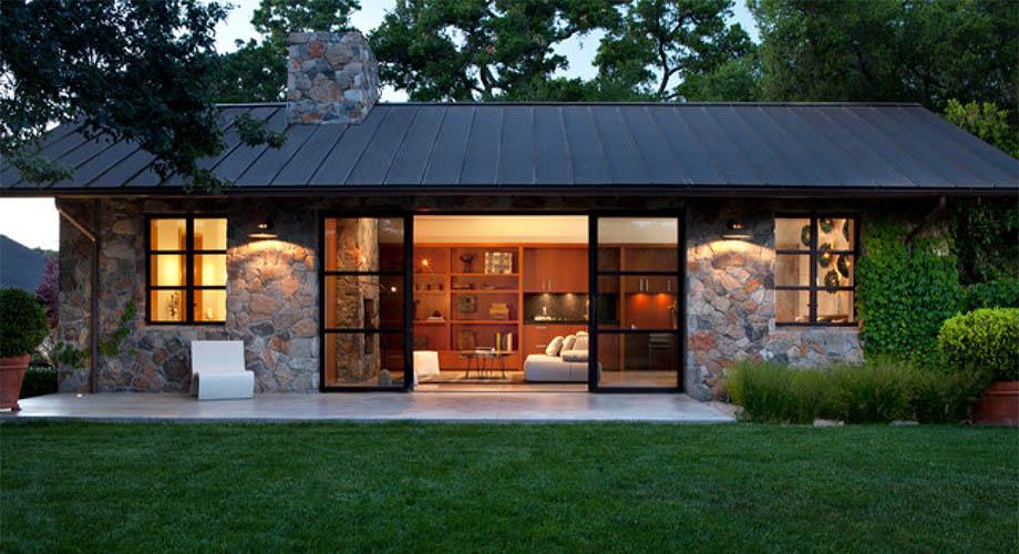บ้านผนังหิน