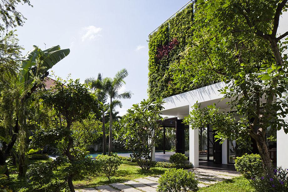 Vertical-Garden-Home-02