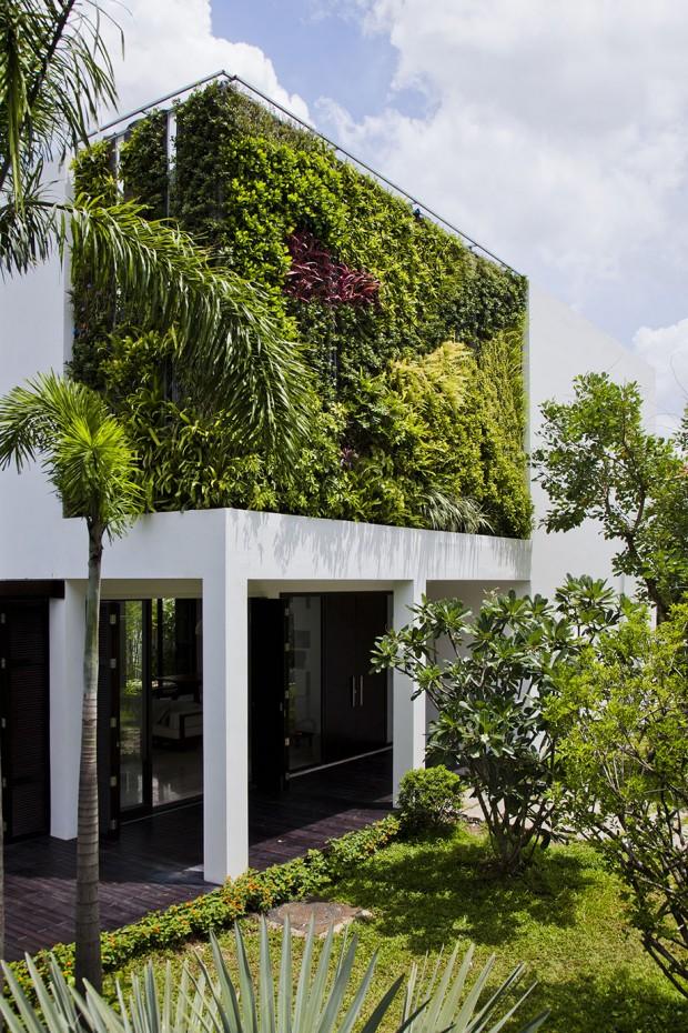 Vertical-Garden-Home-14