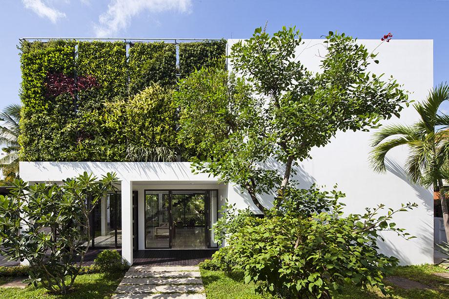 Vertical-Garden-Home-30