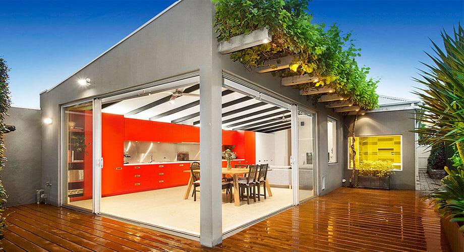 ห้องครัวในบ้านเชื่อมต่อสวน