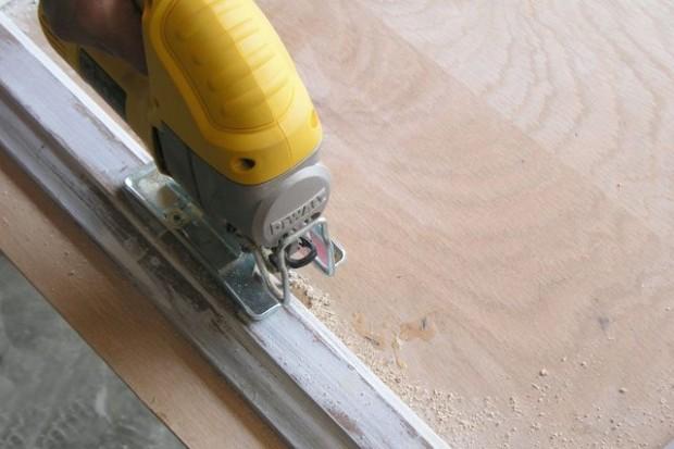ตัดไม้ทำส่วนหลังของส่วนเตา