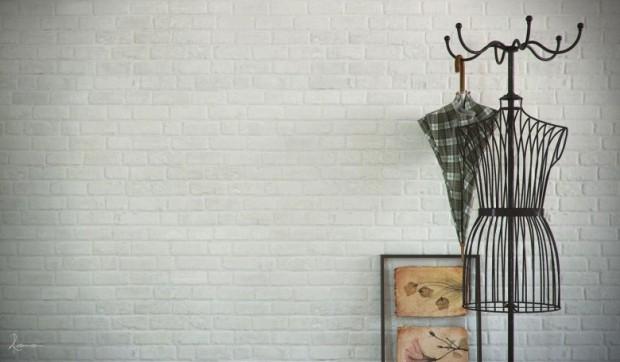 โครงเหล็กดัดเป็นรูปร่างหุ่นโชว์เสื้อ