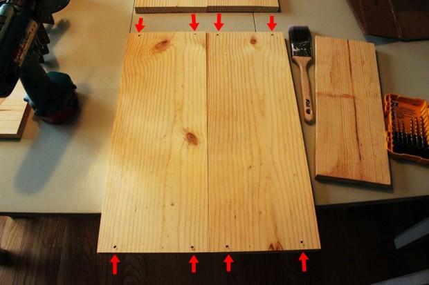 เจาะรูไม้ขนาดกว้าง 8 นิ้วให้ทะลุเนื้อไม้เพื่อง่ายต่อการขันสกรู